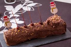 Bûche chocolat caramel sur biscuit noisettes